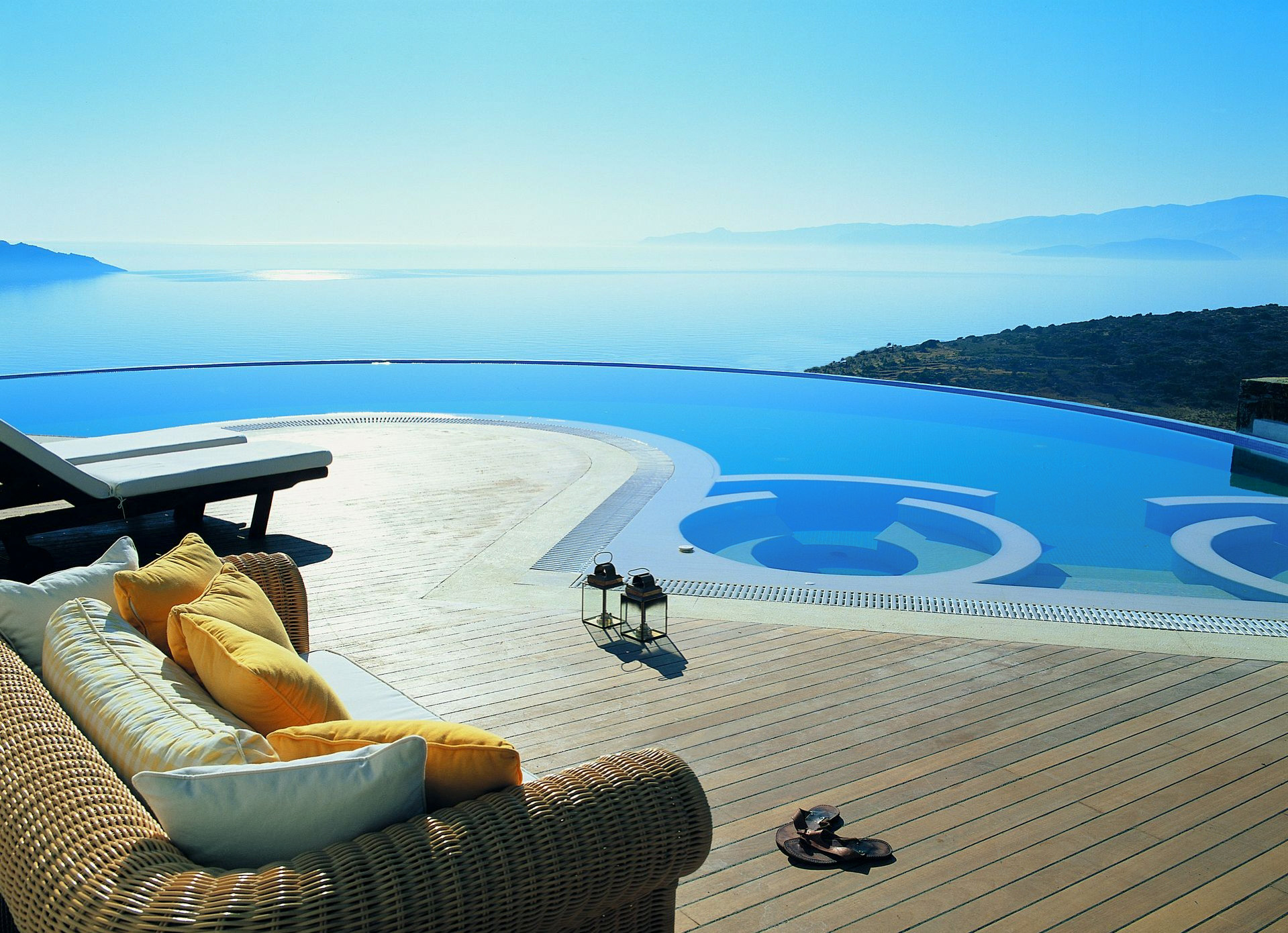 Top luxury private pools in crete