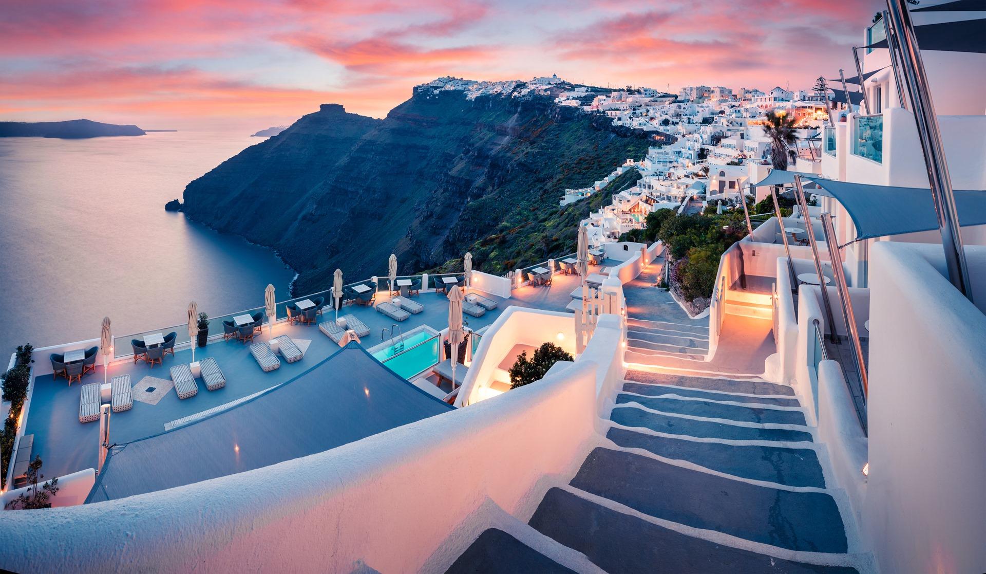 The ultimate romantic getaway! Honeymoon in Santorini, Greec