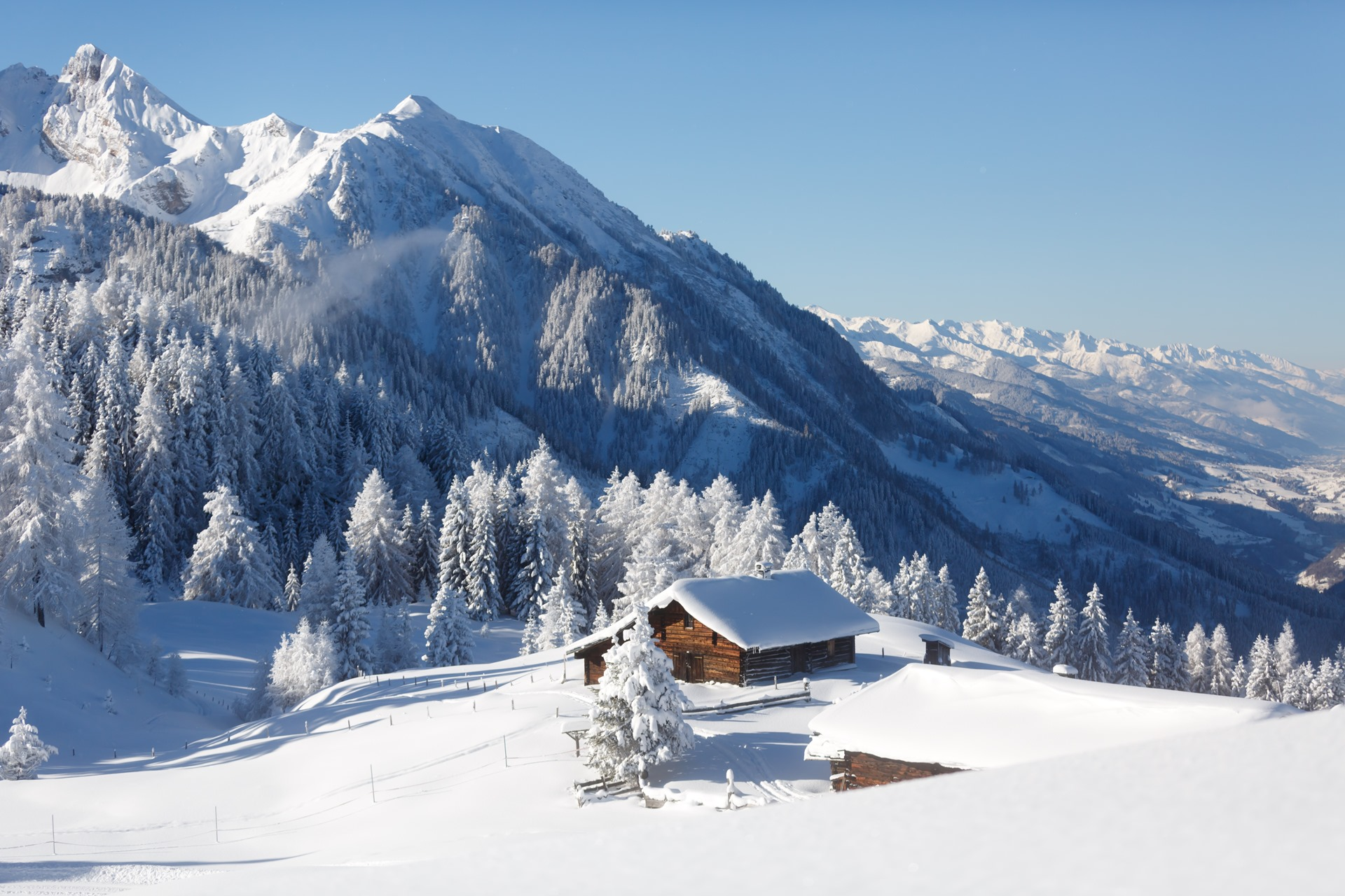 The Most Stylish Ski Chalets for Your Eyes Only