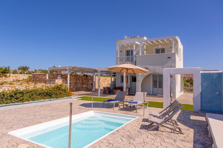 Yellow Villa at Sun and Moon Villas Naxos
